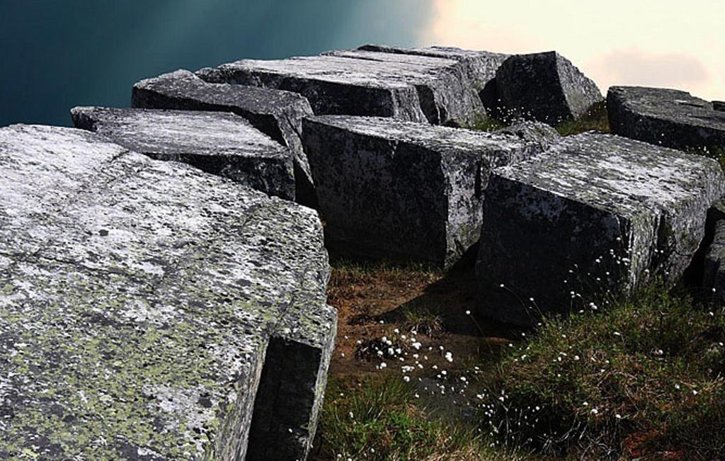 Обработка камней для кладки в системе трех прямоугольных координат
