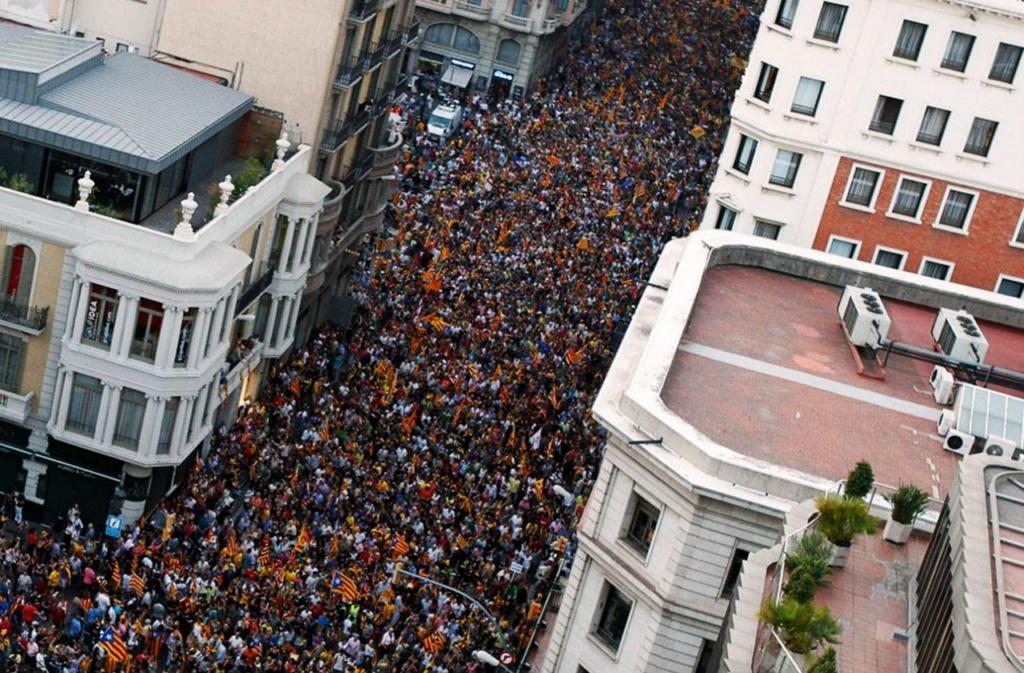 Барселона. «Марш независимости» в сентябре 2012 года с участием более 1,5 миллионов человек.