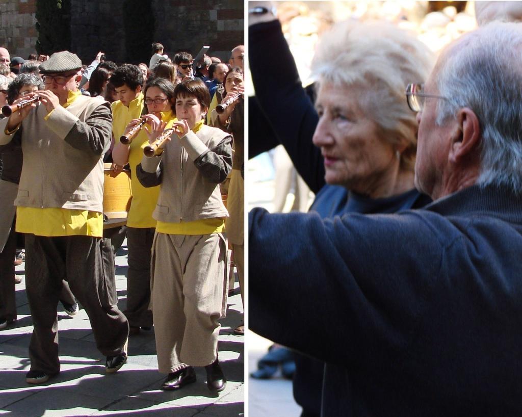 """То же воскресное утро на площади перед Кафедральным собором в Барселоне - столице Каталонии, что снова станет государством. Это - не """"Киевский майдан""""!"""