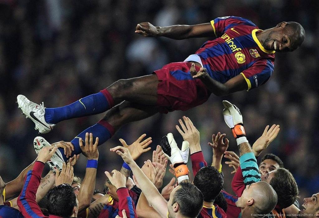 Сейчас страсть к бою быков вытеснена страстью к Футболу. Футбольный клуб «Барсело́на» - известен также как «Ба́рса» — один из лучших в Испании и в мире.