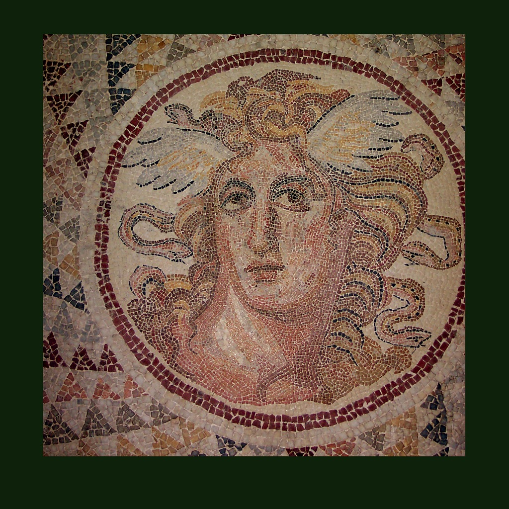 Мозаичное панно с изображением Медузы горгоны